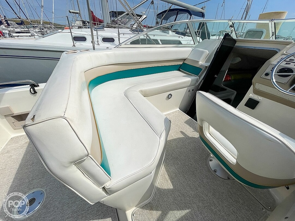 1995 Rinker boat for sale, model of the boat is 265 Fiesta Vee & Image # 37 of 40