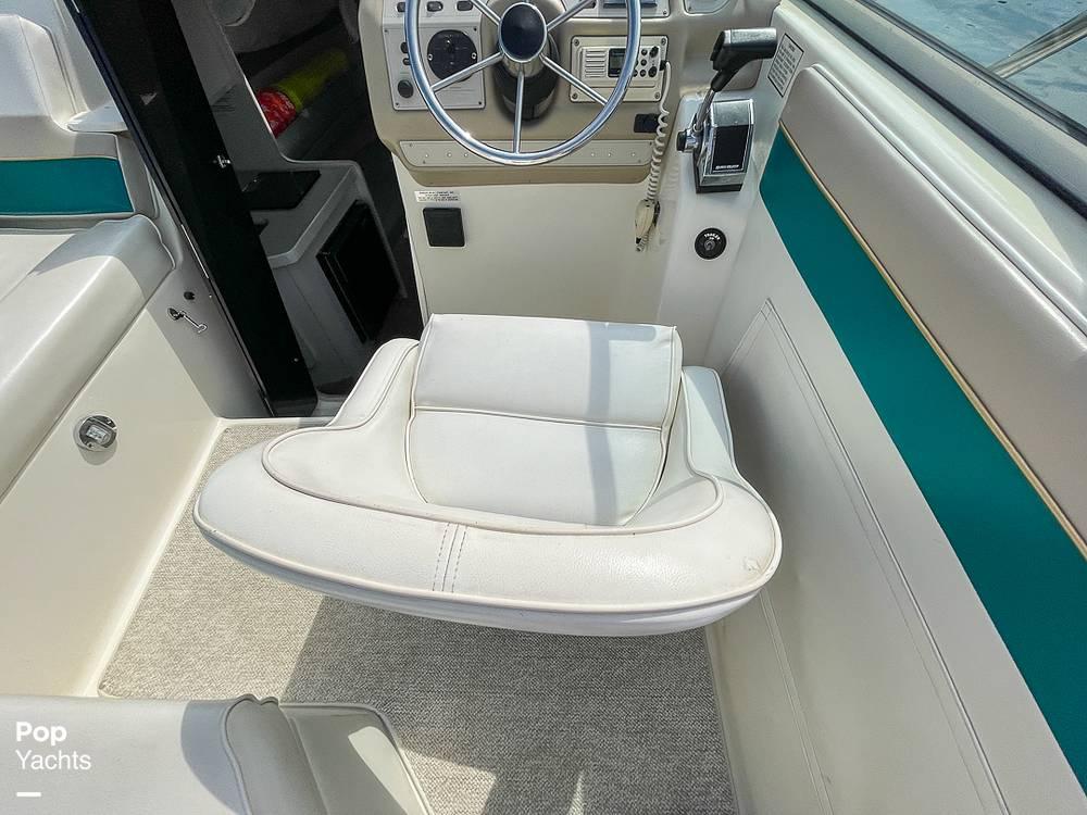 1995 Rinker boat for sale, model of the boat is 265 Fiesta Vee & Image # 38 of 40