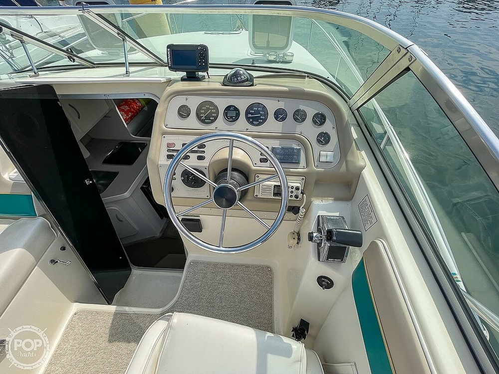 1995 Rinker boat for sale, model of the boat is 265 Fiesta Vee & Image # 39 of 40