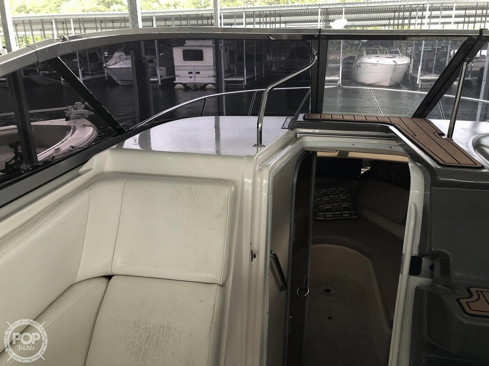 2007 Regal boat for sale, model of the boat is 2565 Express Cruiser & Image # 21 of 40