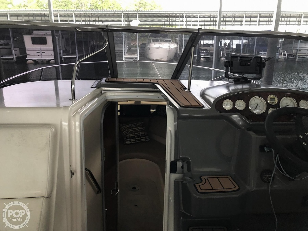 2007 Regal boat for sale, model of the boat is 2565 Express Cruiser & Image # 10 of 40