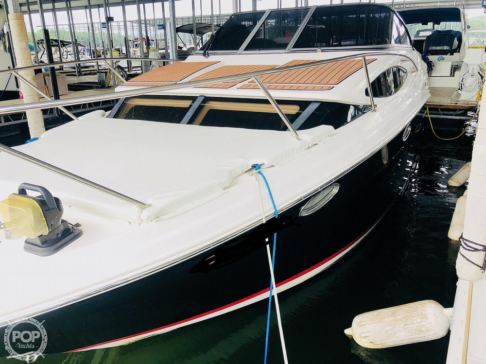 2007 Regal boat for sale, model of the boat is 2565 Express Cruiser & Image # 2 of 40