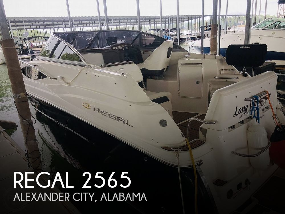 2007 Regal boat for sale, model of the boat is 2565 Express Cruiser & Image # 1 of 40
