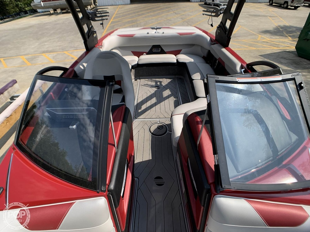 2017 Malibu boat for sale, model of the boat is VLX 22 Wakesetter & Image # 17 of 40