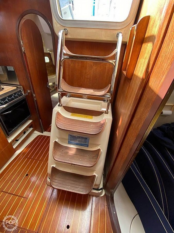 1997 Hunter boat for sale, model of the boat is 376 & Image # 7 of 40