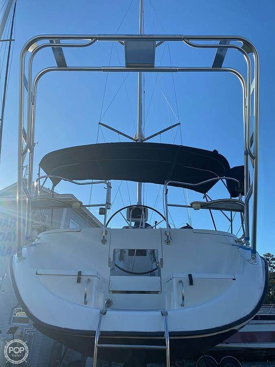 1997 Hunter boat for sale, model of the boat is 376 & Image # 4 of 40