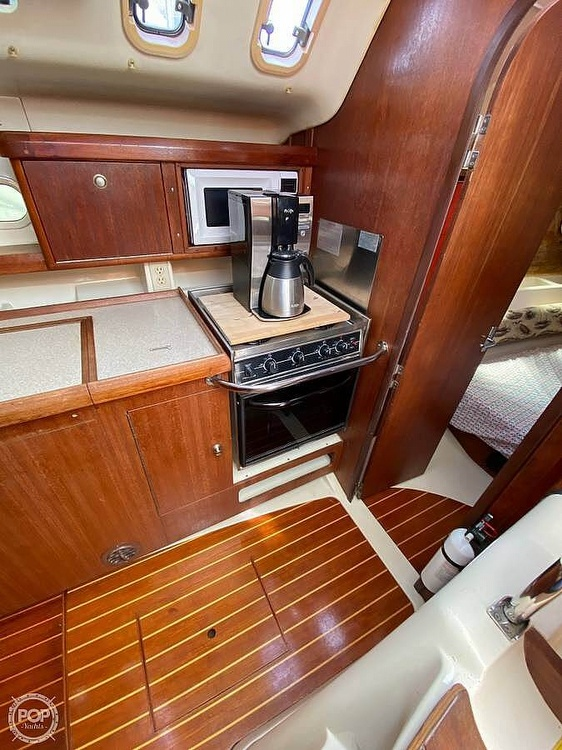 1997 Hunter boat for sale, model of the boat is 376 & Image # 10 of 40