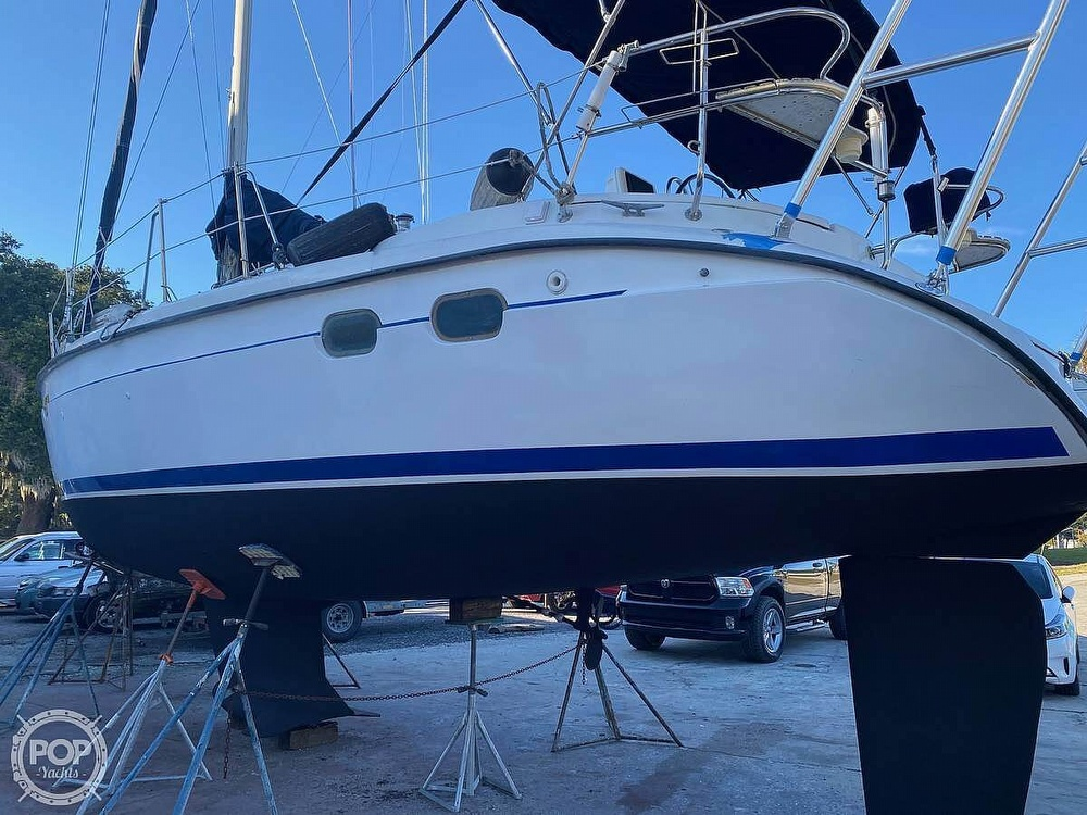 1997 Hunter boat for sale, model of the boat is 376 & Image # 3 of 40