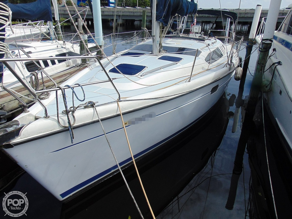 1997 Hunter boat for sale, model of the boat is 376 & Image # 16 of 40