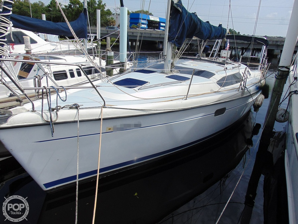 1997 Hunter boat for sale, model of the boat is 376 & Image # 19 of 40