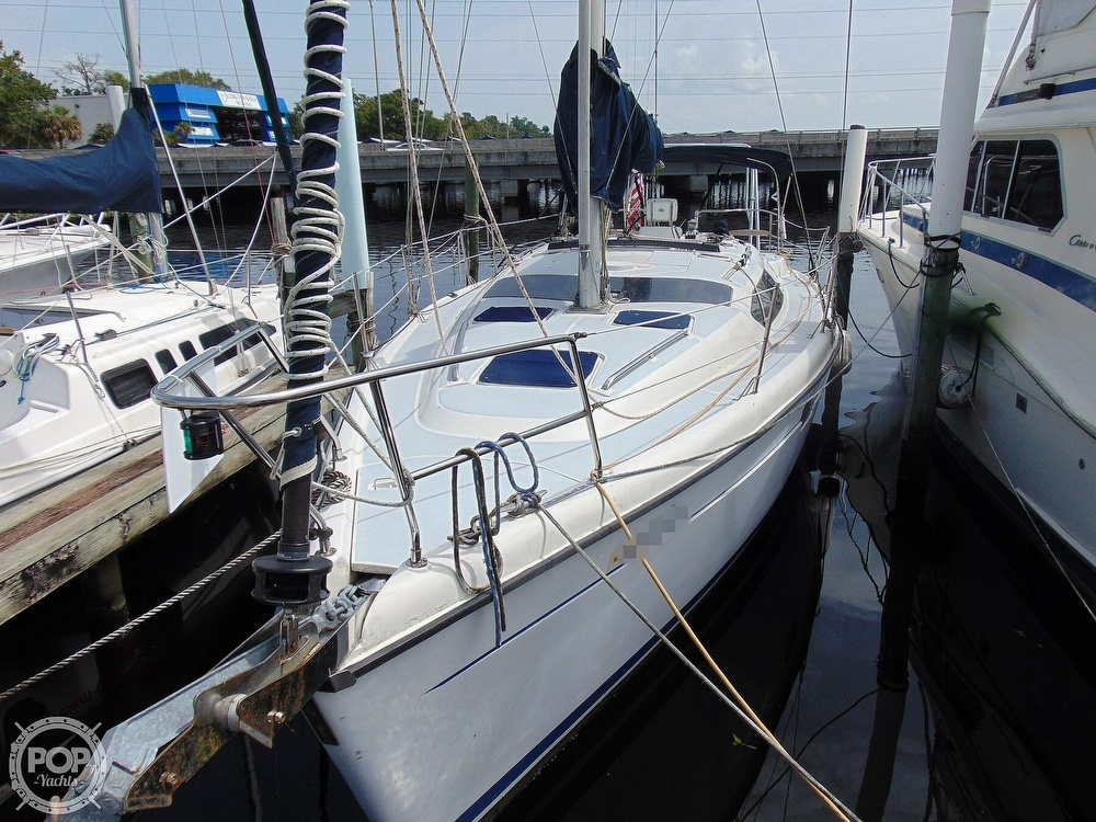 1997 Hunter boat for sale, model of the boat is 376 & Image # 20 of 40