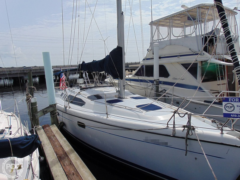 1997 Hunter boat for sale, model of the boat is 376 & Image # 29 of 40