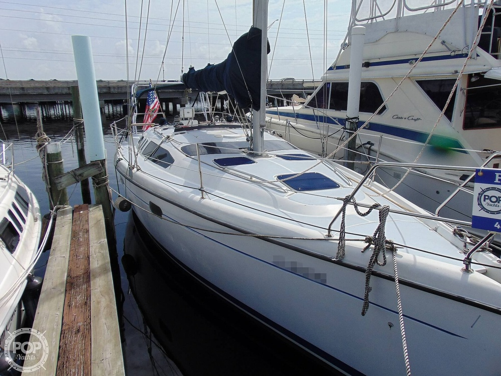 1997 Hunter boat for sale, model of the boat is 376 & Image # 32 of 40