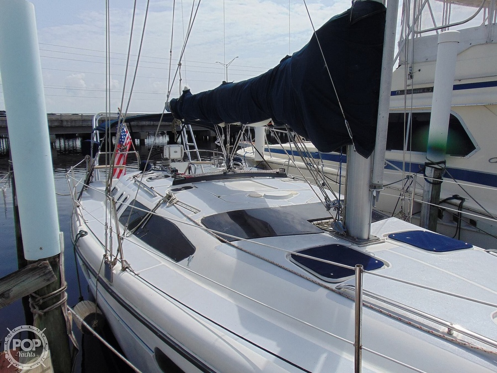 1997 Hunter boat for sale, model of the boat is 376 & Image # 33 of 40