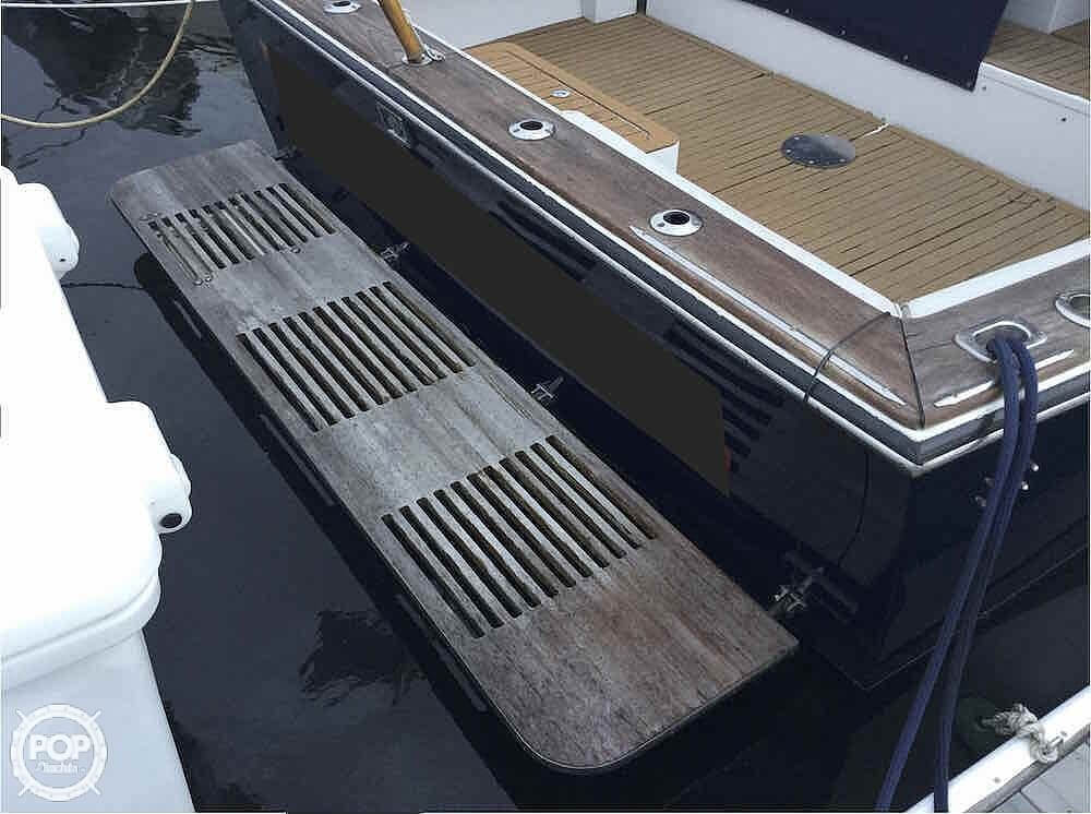 2000 Morgan boat for sale, model of the boat is 31 & Image # 9 of 40
