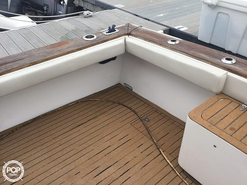 2000 Morgan boat for sale, model of the boat is 31 & Image # 19 of 40