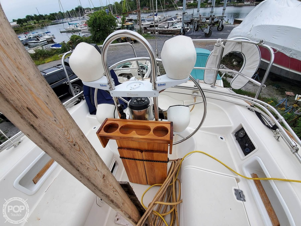 1986 Pearson boat for sale, model of the boat is 36-2 & Image # 7 of 40