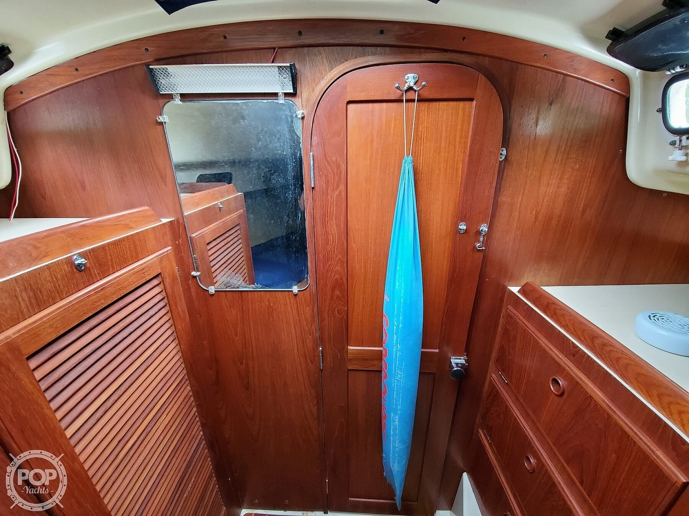 1986 Pearson boat for sale, model of the boat is 36-2 & Image # 24 of 40
