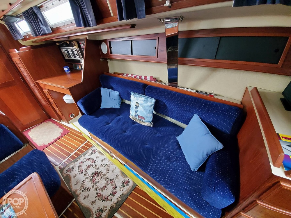 1986 Pearson boat for sale, model of the boat is 36-2 & Image # 27 of 40