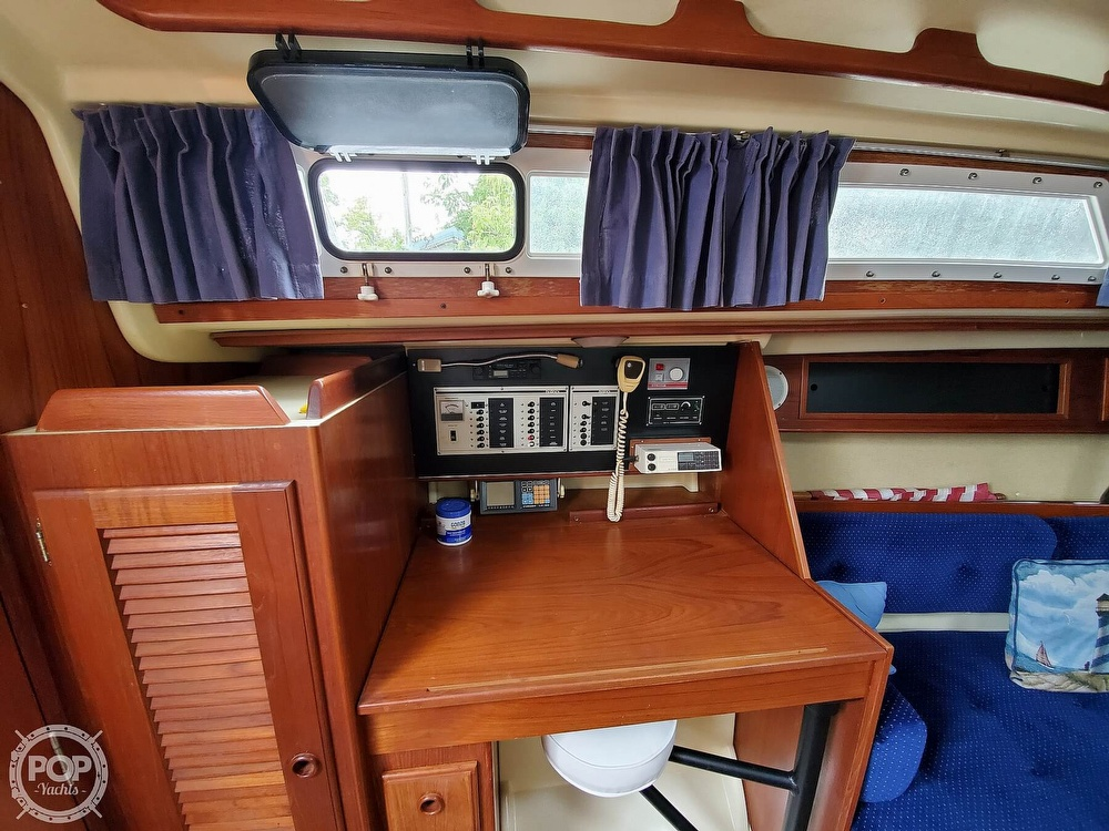 1986 Pearson boat for sale, model of the boat is 36-2 & Image # 28 of 40