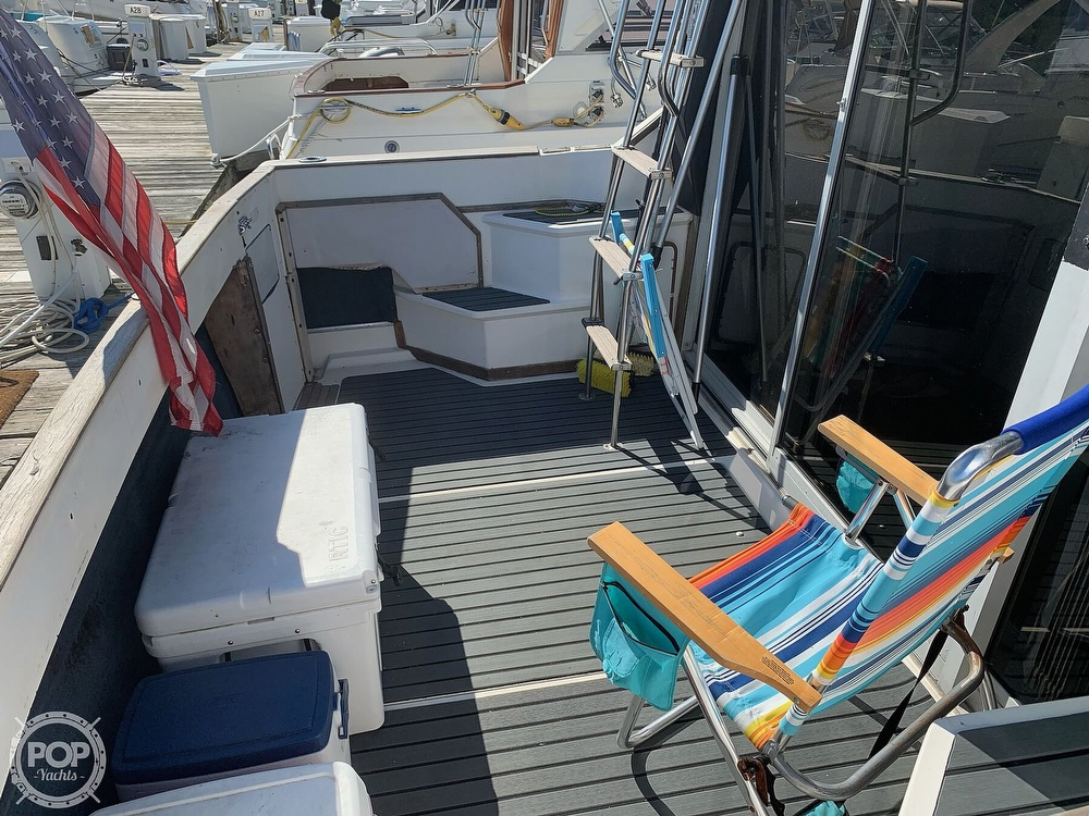 1986 Sea Ray boat for sale, model of the boat is 340 SB & Image # 11 of 40