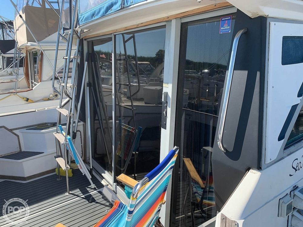 1986 Sea Ray boat for sale, model of the boat is 340 SB & Image # 12 of 40