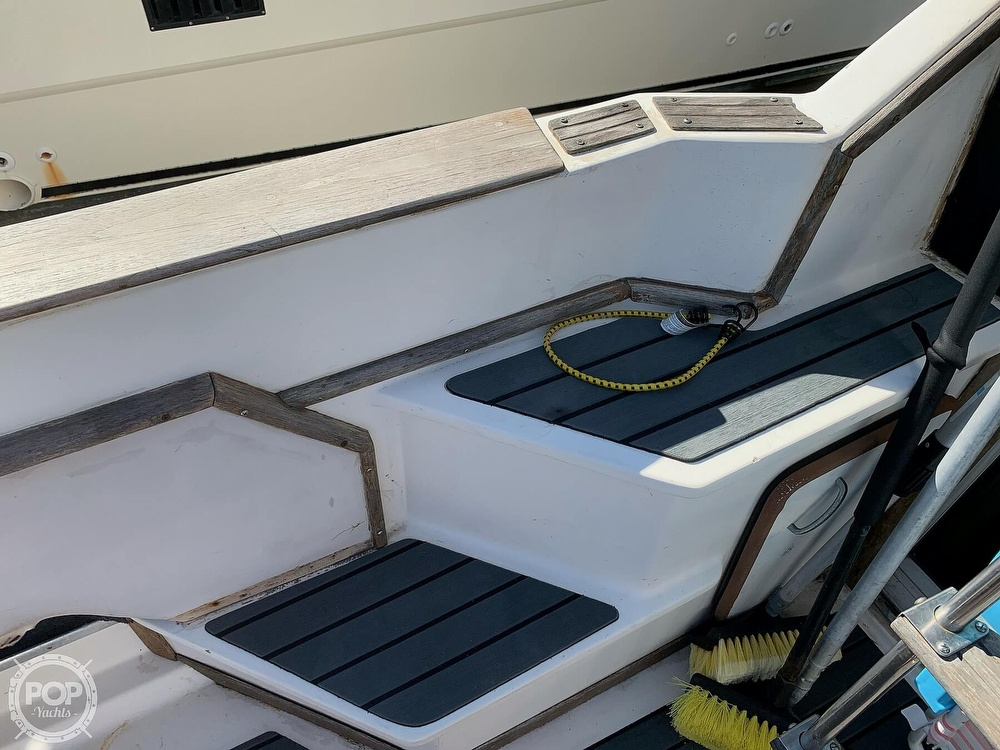 1986 Sea Ray boat for sale, model of the boat is 340 SB & Image # 29 of 40