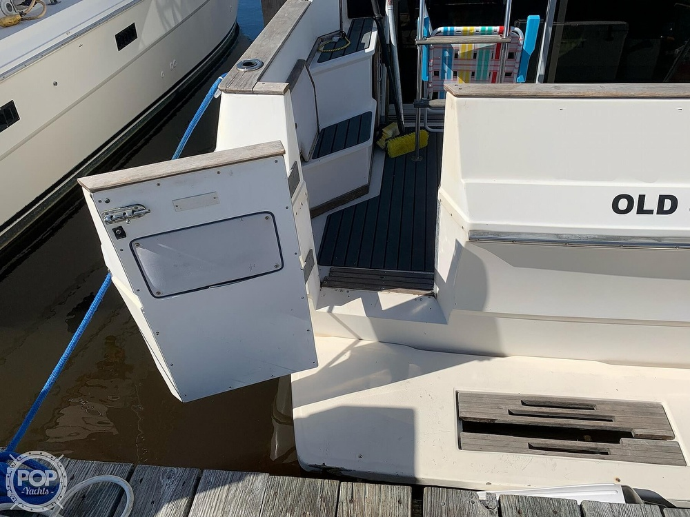 1986 Sea Ray boat for sale, model of the boat is 340 SB & Image # 4 of 40