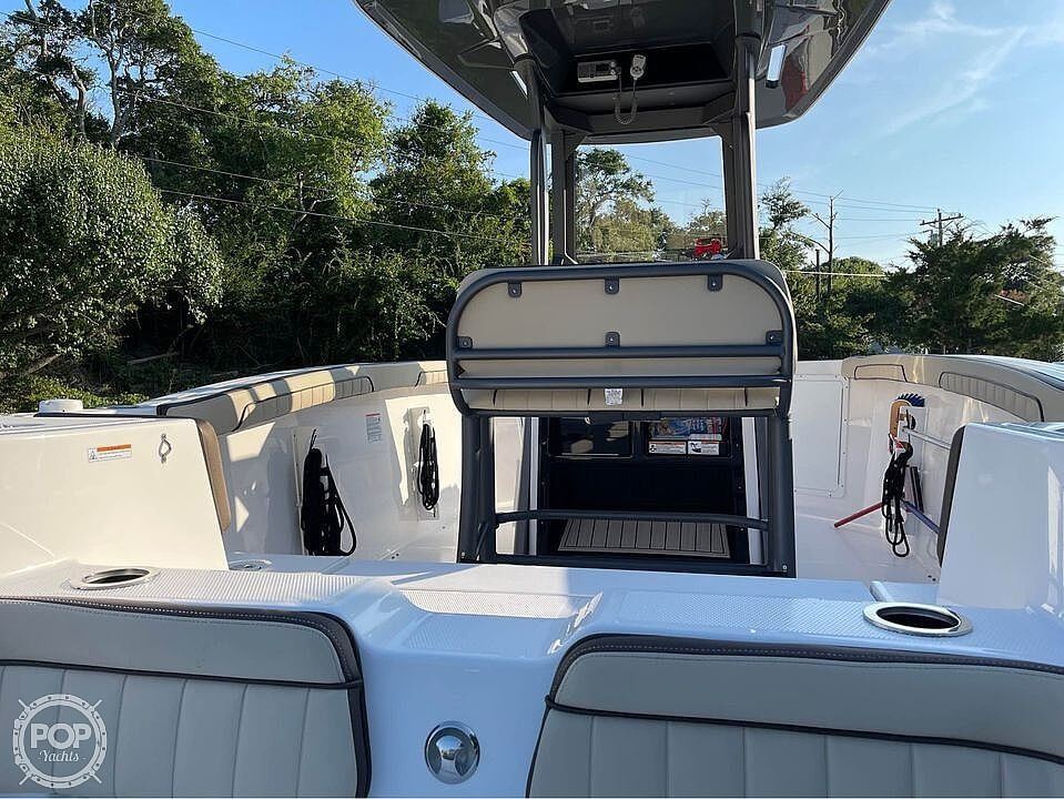 2021 Yamaha boat for sale, model of the boat is 252 FSH & Image # 2 of 40