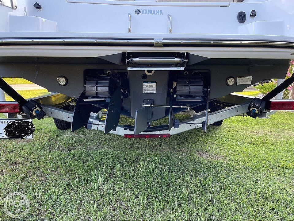 2021 Yamaha boat for sale, model of the boat is 252 FSH & Image # 8 of 40