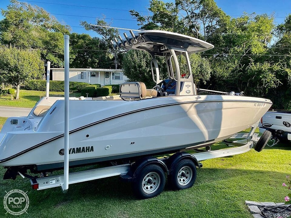 2021 Yamaha boat for sale, model of the boat is 252 FSH & Image # 9 of 40