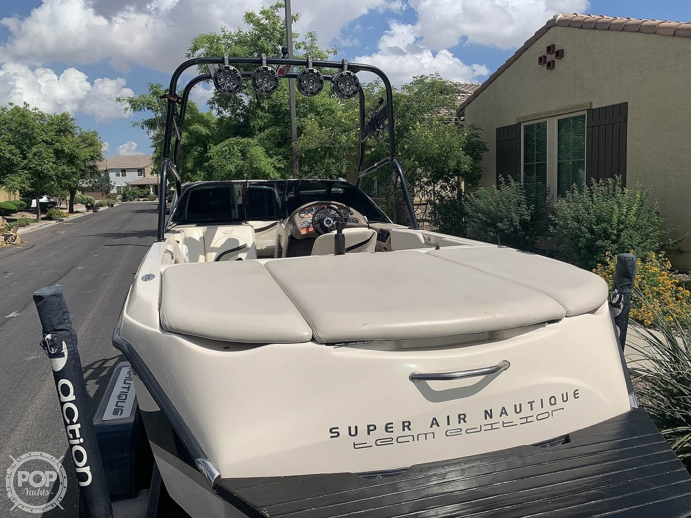 2002 Correct Craft boat for sale, model of the boat is Super Air Nautique 210 Team Edition & Image # 7 of 40