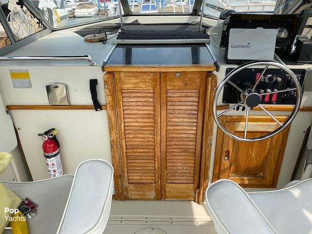 1986 Boston Whaler boat for sale, model of the boat is Revenge WT 22 & Image # 11 of 24