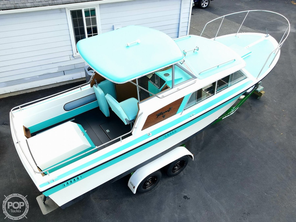 1971 Tollycraft boat for sale, model of the boat is Royal Express & Image # 11 of 40