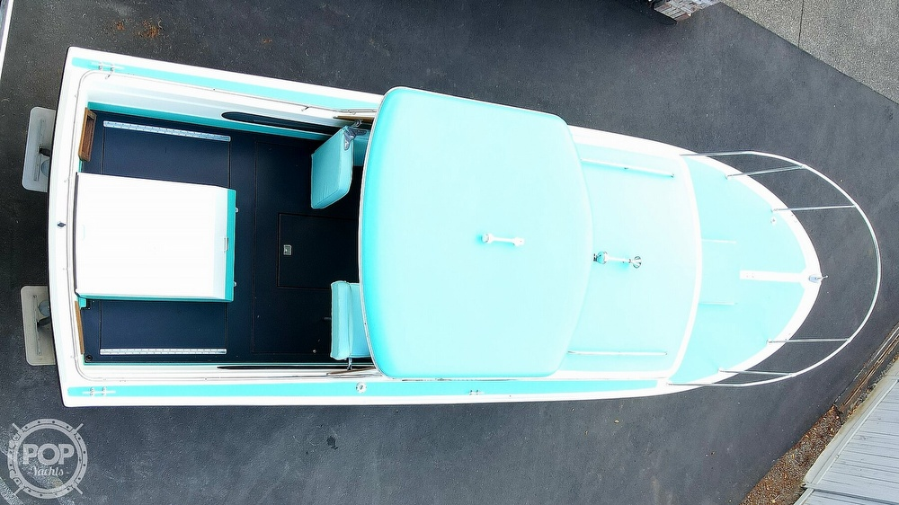 1971 Tollycraft boat for sale, model of the boat is Royal Express & Image # 12 of 40
