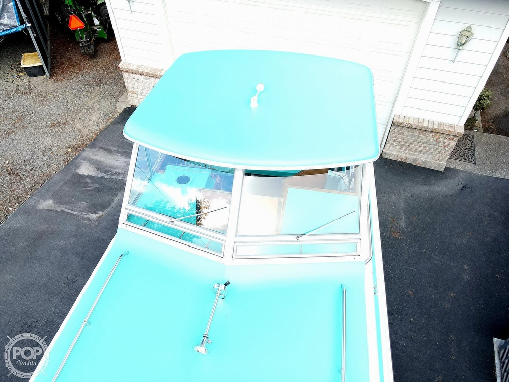 1971 Tollycraft boat for sale, model of the boat is Royal Express & Image # 13 of 40