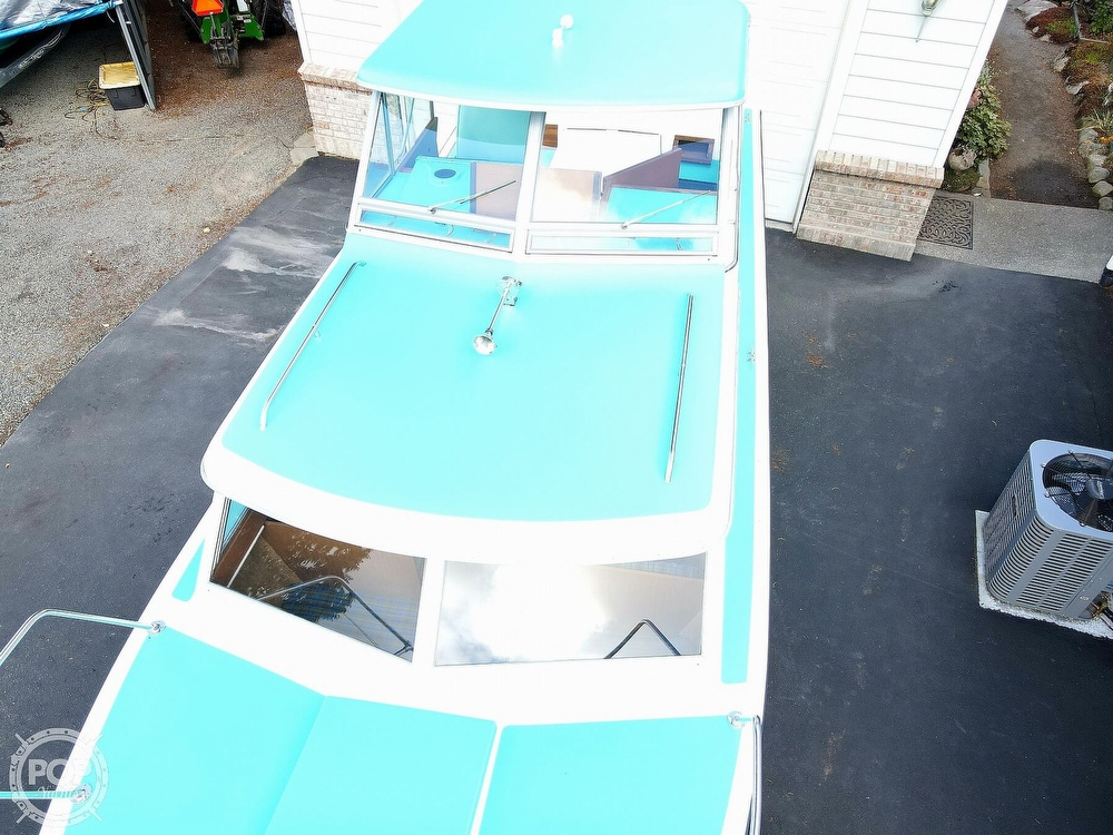 1971 Tollycraft boat for sale, model of the boat is Royal Express & Image # 15 of 40