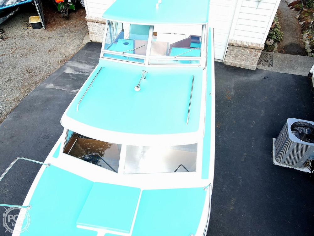 1971 Tollycraft boat for sale, model of the boat is Royal Express & Image # 16 of 40