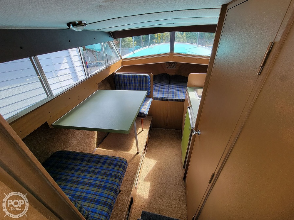 1971 Tollycraft boat for sale, model of the boat is Royal Express & Image # 5 of 40