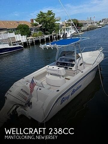 1994 Wellcraft boat for sale, model of the boat is 238CC & Image # 1 of 40