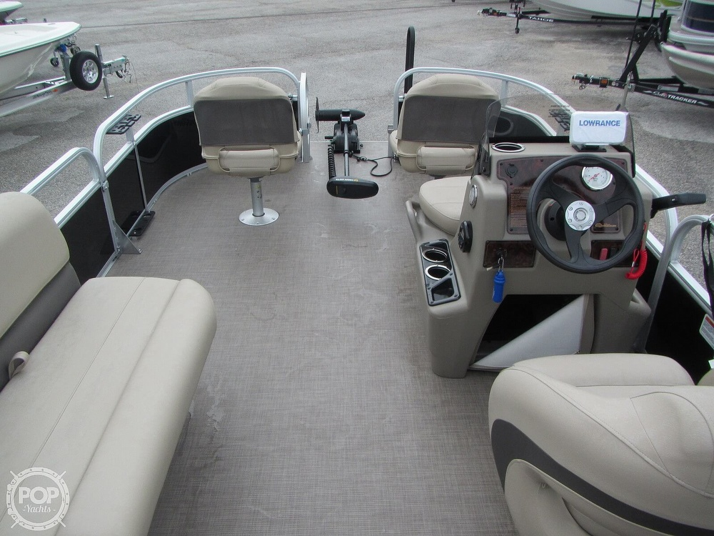 2021 Sun Tracker boat for sale, model of the boat is 16 XL Bass Buggy & Image # 4 of 40