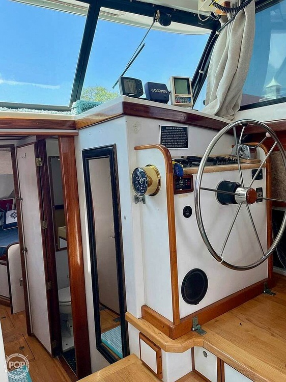1977 Mainship boat for sale, model of the boat is 34 Trawler & Image # 14 of 40