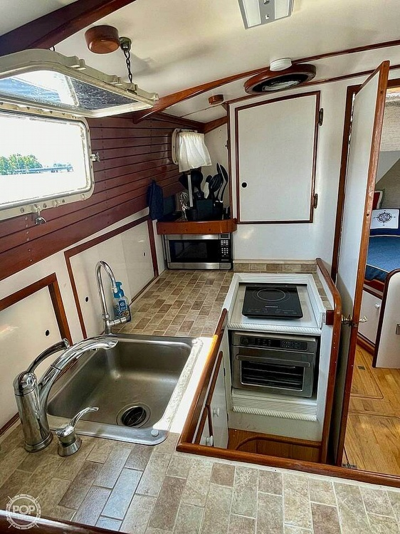 1977 Mainship boat for sale, model of the boat is 34 Trawler & Image # 17 of 40