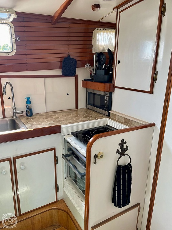 1977 Mainship boat for sale, model of the boat is 34 Trawler & Image # 38 of 40