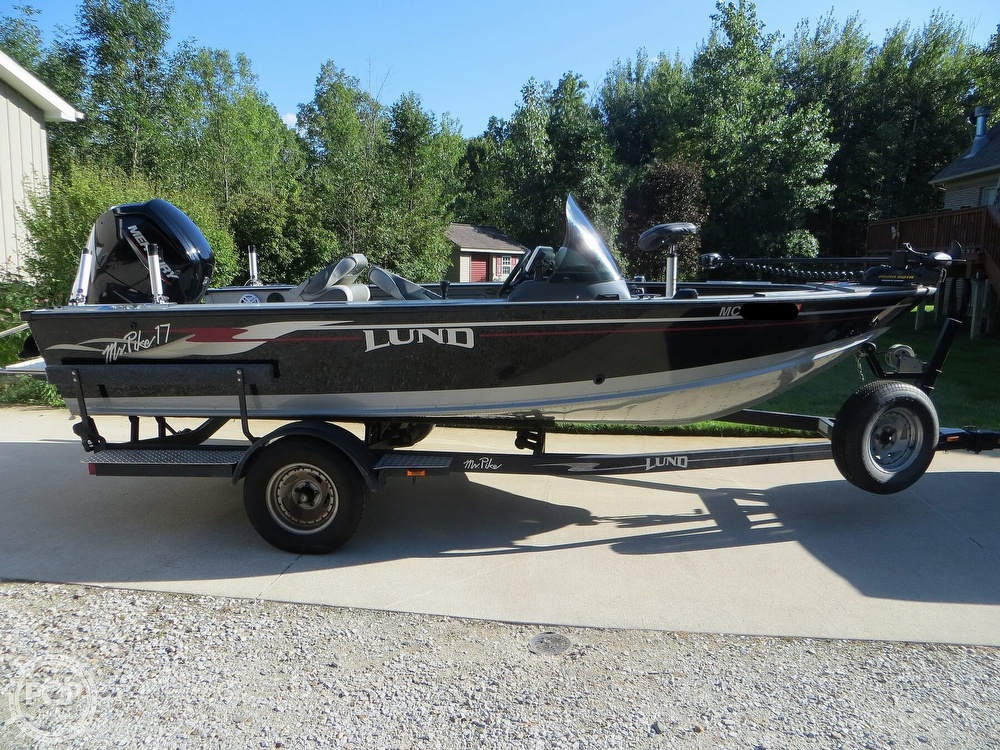 2003 Lund boat for sale, model of the boat is Mr Pike 17 & Image # 2 of 40