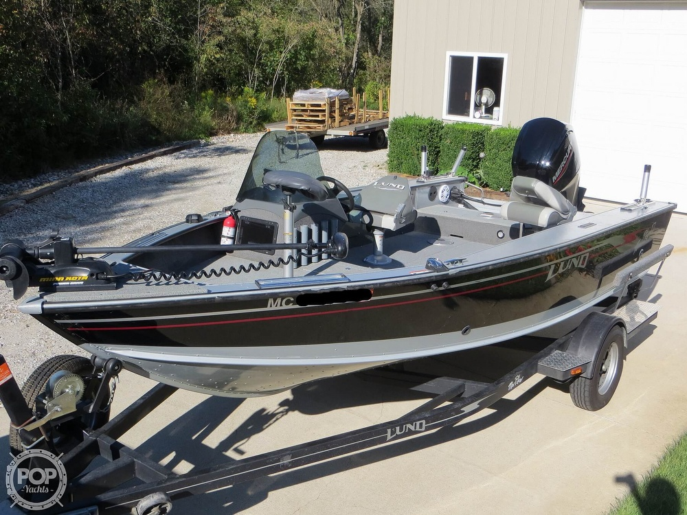 2003 Lund boat for sale, model of the boat is Mr Pike 17 & Image # 3 of 40