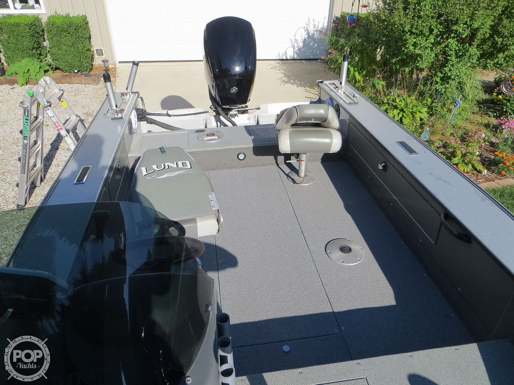 2003 Lund boat for sale, model of the boat is Mr Pike 17 & Image # 6 of 40