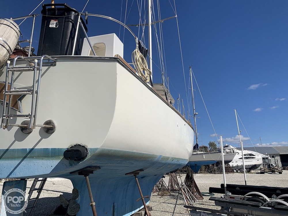 1972 Gulfstar boat for sale, model of the boat is 44 & Image # 24 of 40
