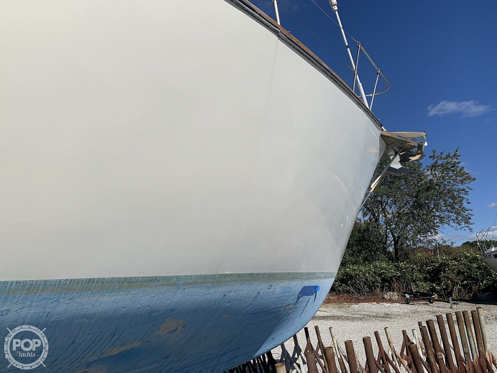 1972 Gulfstar boat for sale, model of the boat is 44 & Image # 27 of 40