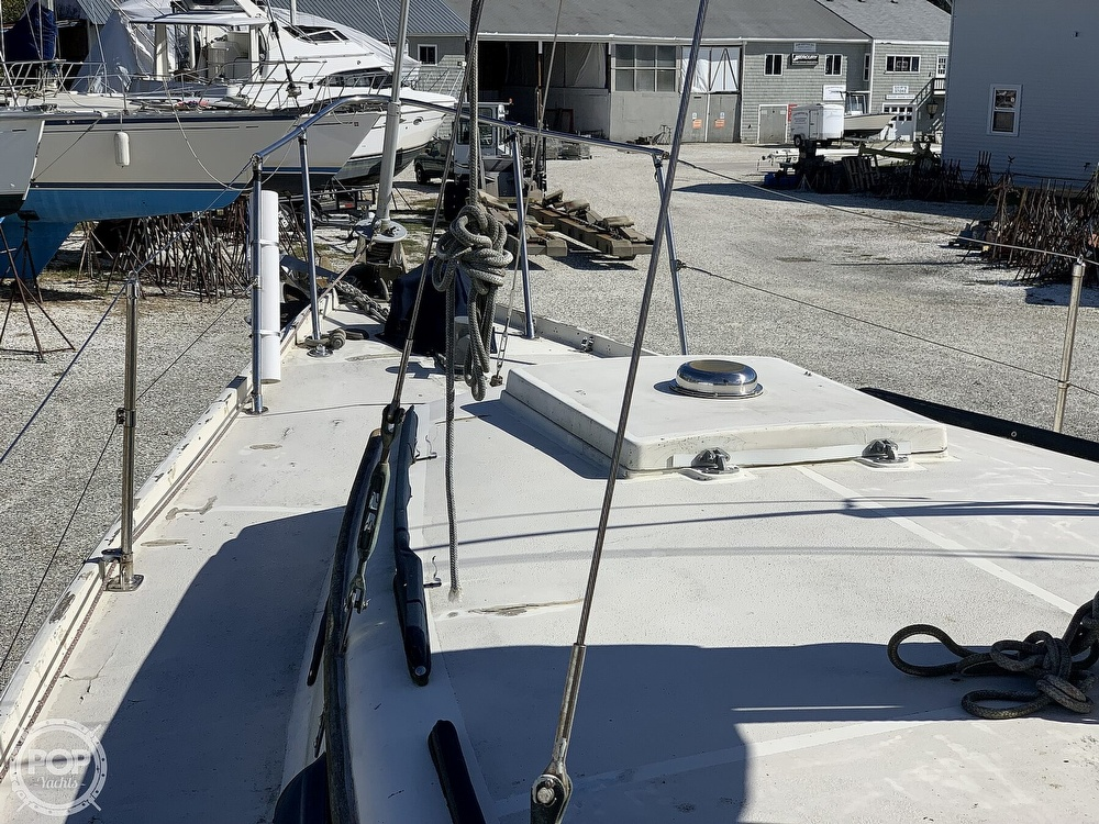 1972 Gulfstar boat for sale, model of the boat is 44 & Image # 29 of 40